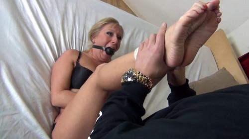 BDSM Foot licks
