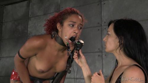 BDSM Latex Pushing Daisy - Daisy Ducati, Elise Graves