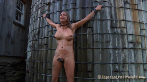 BDSM Mud Slut