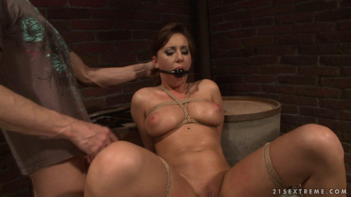 BDSM Some Service For The Money - Attractive Brunette Girl