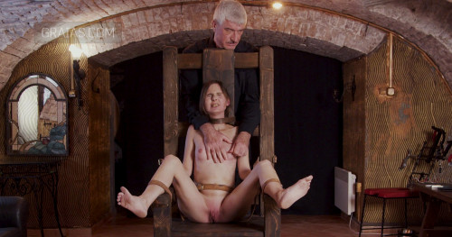 BDSM Hope - Slave of Throne - Part 1