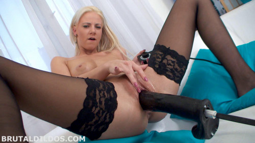 Fisting and Dildo Nathaly Cherry