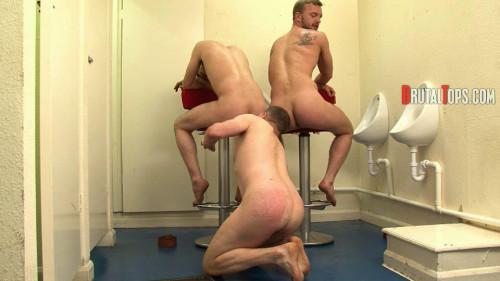 Gay BDSM Session 304 : Master Dale and Master Jurgis