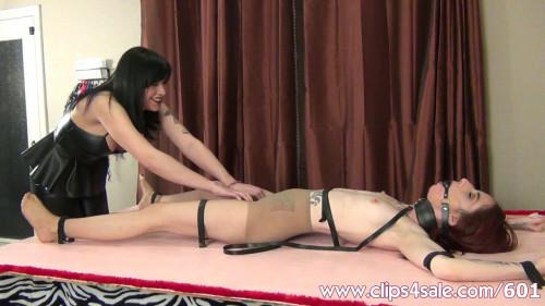 TicklingHandjobsFemaleOrgasm - Ripped Pantyhose Super Tickling
