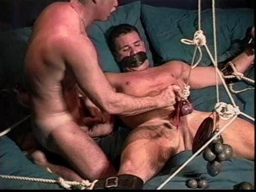 BodyBuilder Bondage & Domination