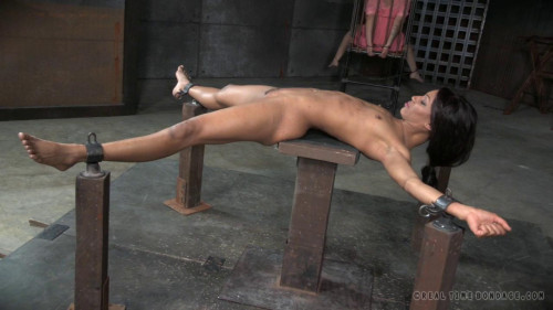 Nikki Darling, Abigail Dupree - Bdsm friends BDSM
