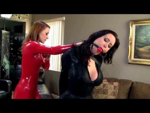 Christina Carter & Serene Isley - Sexologist Sexy Leather Dreams