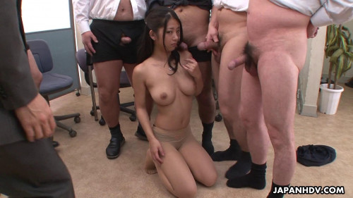 Satomi suzuki keeps her job by making multiple rod cum