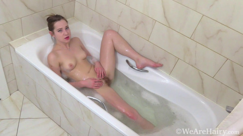 Sasha Miler masturbates during her bubble bath
