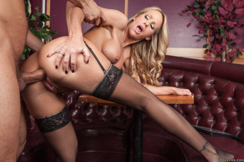 Seductive Busty Lady - Waitress At Work Anal Sex