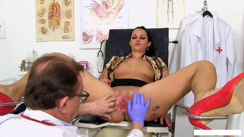 Selina (Salina) (23 years girls gyno exam) Sex Machines