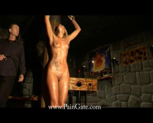 Svenia in dungon BDSM