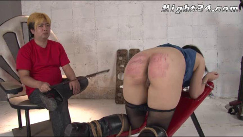 This beautiful Jap babe showcases Asians BDSM
