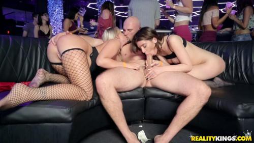 Spring Break Night Club 3 Public Sex