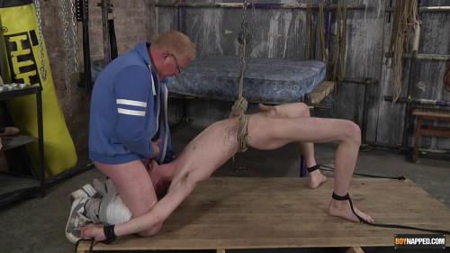 Using The Twink Cock Sucker!