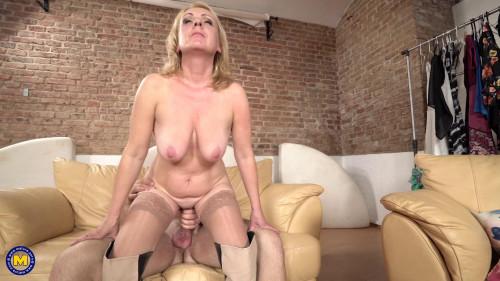 Lindsey MILF Sex