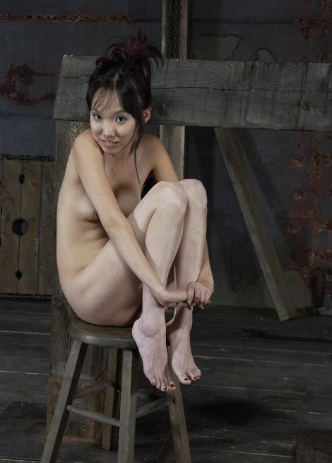 Asian girl loves the pain and humiliation