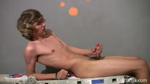 EastBoys Bryan Kelly - Young Blonde Painter in Solo Action