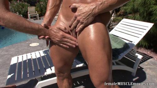 Bodyoiling & clitjerk Female Muscle