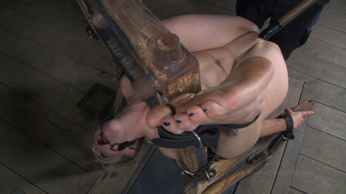 Bella Rossi The Farm: Bella's Visit Part 1 BDSM