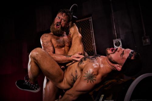 Beards, Bulges & Ballsacks!, Scene #2: Aarin Asker, Hoytt Walker