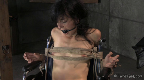 Elise Graves Receives Sexual Healing BDSM
