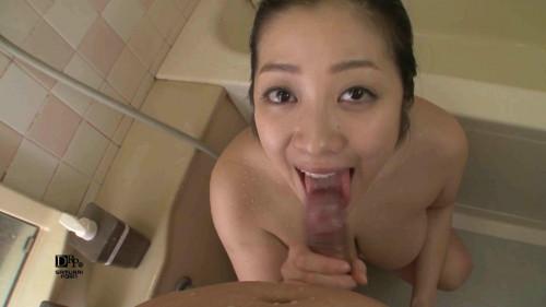 Minako Komukai oral shower