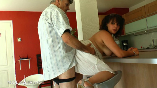 Laila - Papy loves to fuck chubby arab slut Mature, MILF