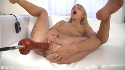Karina Gold Big Dildo Machine Fuck (2014) Sex Machines