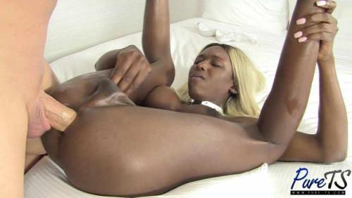 Black TS barbie gets bareback & creampied