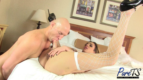 latina supermodel pleases her man in Vegas Transsexual