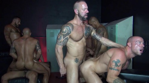 Big Sex Club Orgy Part One Alessio Romero, Matt Stevens, Brian Bonds, Jon Galt (2016)