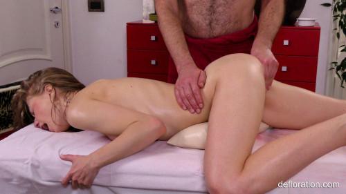 Gwyneth Petrova - Massage FullHD 1080p Sex Massage