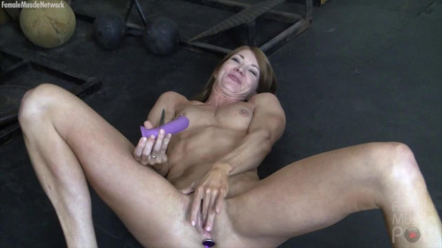 Charlotte - Pov Gym Play Female Muscle
