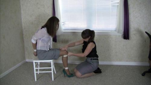 Belle Davis & Elizabeth Andrews - Belles Rope Review