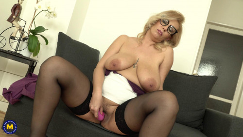 Big breasted milf Patricia Sweet loves to tease her wet pussy full hd 2019