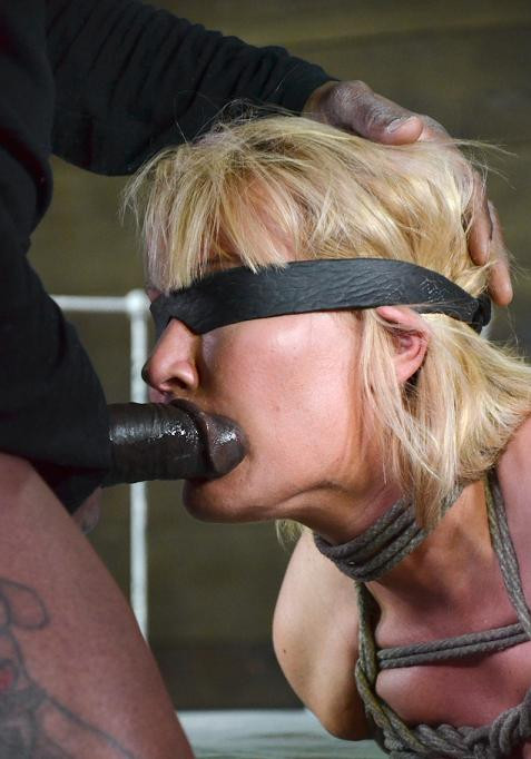 Thick and juicy MILF Mellanie Monroe have bdsm fun
