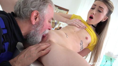 Empera - Old man fucks a fresh babe (2017)