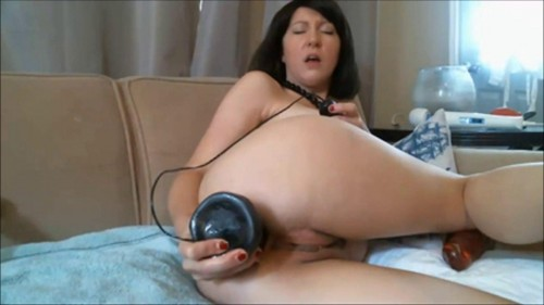 Brunette Diana and her hobby fisting Fisting and Dildo