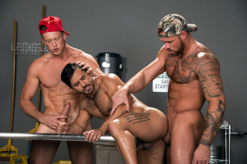 Hot Threesome Bruno, Michael & Pierce (1080p)
