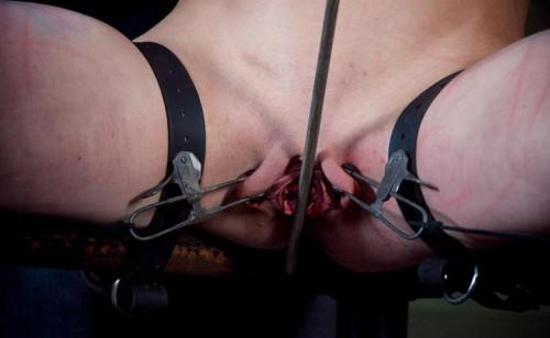 Queen of Pain in best tortures