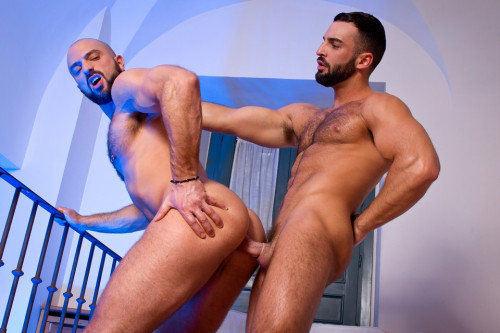 The Tourist, scene vol.04 Gay Clips