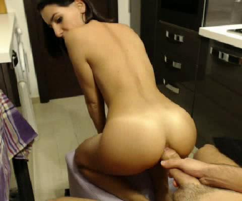 Amateur Sexy Brunette Try Anal