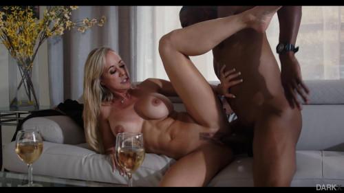 Brandi Love, Isiah Maxwell - My Noisy Neighbor FullHD 1080p