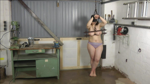 Tit and Water Torture - Iris - HD 720p