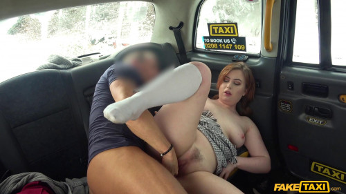 Sexy hot taxi fuck on a snowy day Amateur Porn