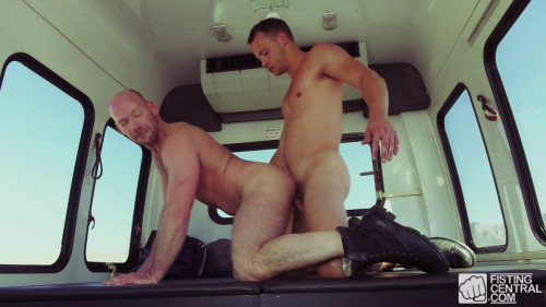 Fist Bus - Scene #02 - Nate Grimes & Mike Tanner (1080p)