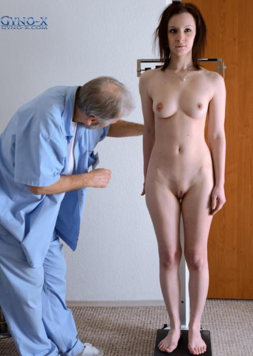 Dianne (23 years girl gyno exam)