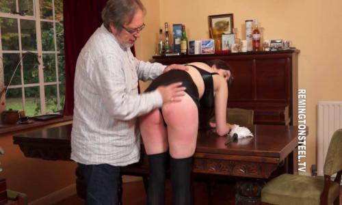Remingtonsteel - Top spanking model Nicky Montford