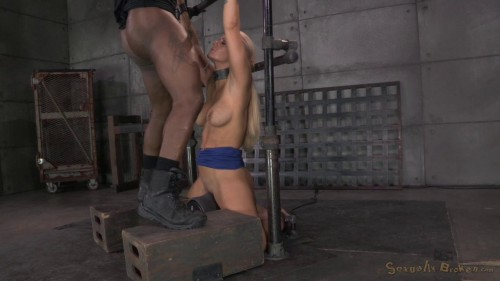 Big breasted bimbo Milf Holly Heart shackled to a sybian
